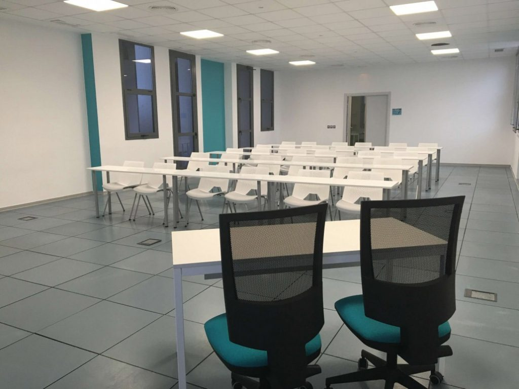 Alquiler de salas de formación con wifien Sevilla en un centro de negocios