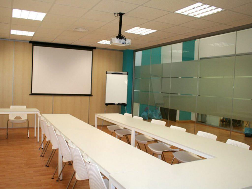 Alquiler de salas de formación en Sevilla en un centro de negocios inn offices