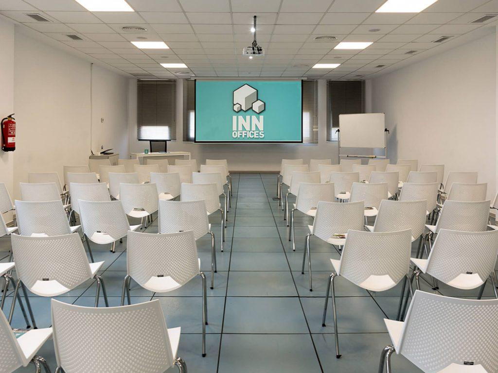 Alquiler de una sala de formación en Sevilla en un centro de negocios