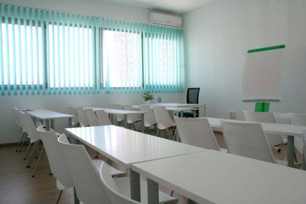 Centro de negocios INN Offices Montequinto metroquinto sala de formación en alquiler