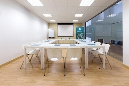 Sala Formación en alquiler Centro de negocios Inn Offices mairena del Aljarafe
