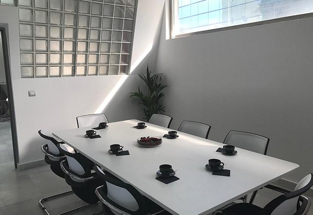 Sala de juntas para alquilar en Sevilla