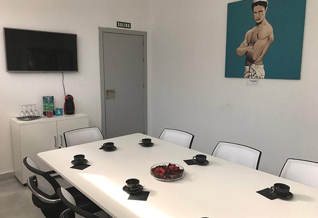 alquiler de sala de reunión en centro de negocios de sevilla