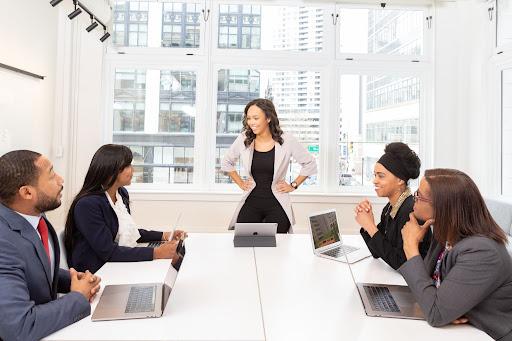 Espacios para salas de reuniones. INN Offices