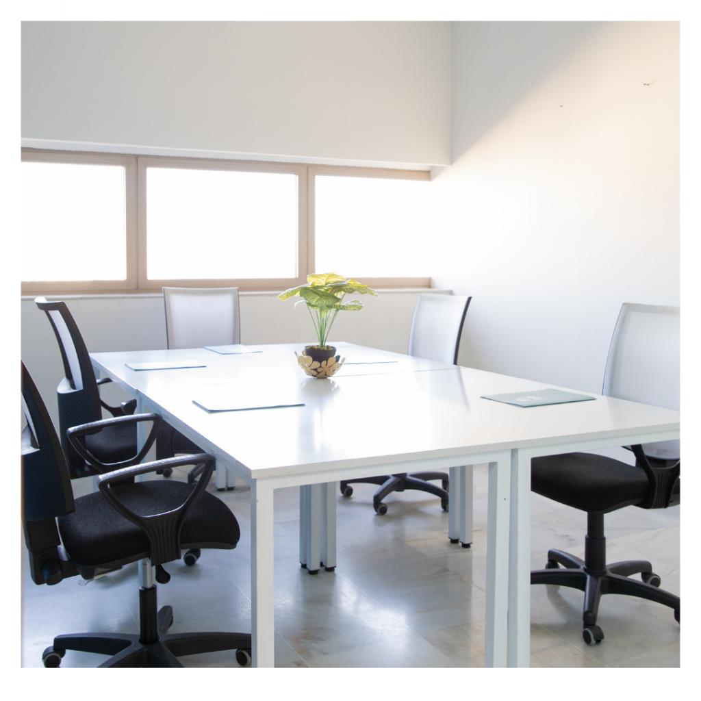 Mobiliario adecuado en salas de reuniones - INN Offices